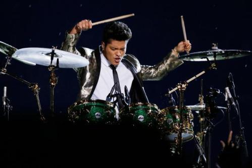 Bruno-Mars-Super-Bowl-XLVIII